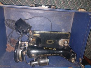 Antique Singer Sewing Machine for Sale in Franklin, NC