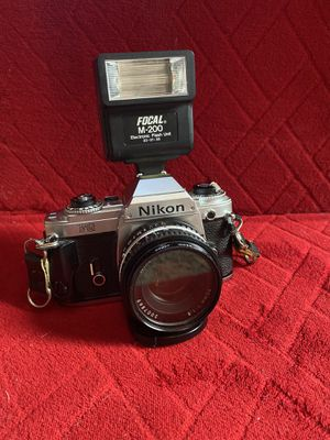 Nikon fg Camera with lens cover and a focal m-200 flash not a digital for Sale in Pittsburgh, PA