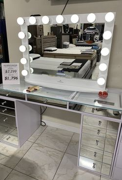 Mirrored vanity with Hollywood mirror and Bluetooth / Speakers. Charge usb. for Sale in Pomona,  CA