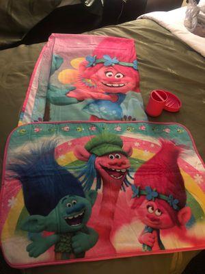 Trolls ( girls ) bathroom set for Sale in Arlington, TX
