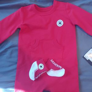 Converse Onesie With Matching Socks 6 Months for Sale in Deer Park, TX