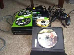 Xbox 360 , 1 controller 4 games for Sale in Fall River, MA
