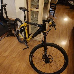 CORRATEC CARBON FIBER BIKE WITH XTR EVERYTHING for Sale in Detroit, MI