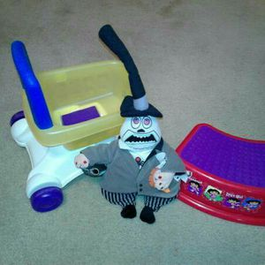 😎 Cool Push Cart, Step Stool And Scary Doll for Sale in Austin, TX