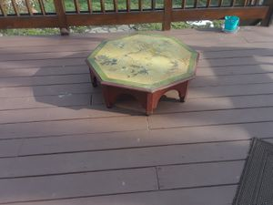 Antique table for Sale in Eastpointe, MI