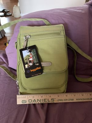 Baggallini bon voyage bagg NWT for Sale in Silver Spring, MD