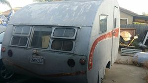 1951 vintage camper canned ham trailer for Sale in Atwater, CA
