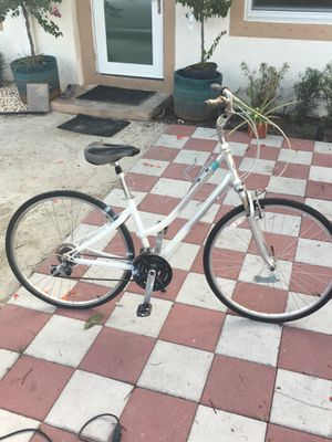 Giant Cypress bike for Sale in Hollywood, FL