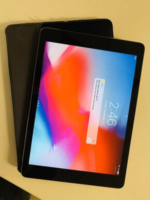 Apple iPad Air MD785LL/A (16GB, Wi-Fi, Black with Space Gray) for Sale in El Segundo, CA
