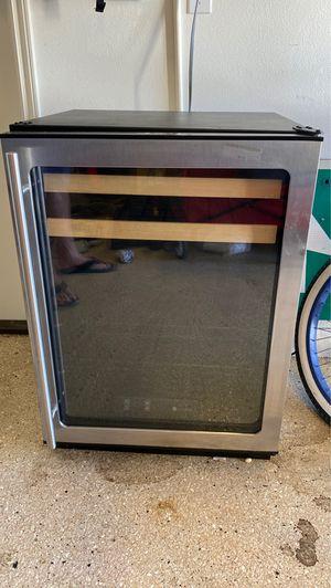 U Line 1175 wine refrigerator and beverage cooler for Sale in Irvine, CA