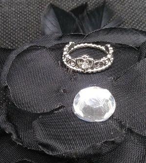 Sterling Silver Tiara Ring Sz 5. for Sale in El Paso, TX