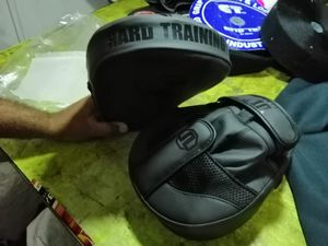 Boxing gloves 18oz And Focus Pads for Sale in Conroe, TX