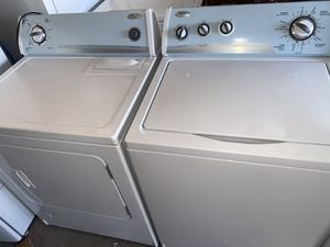 Whirlpool washer and gas dryer for Sale in El Paso, TX