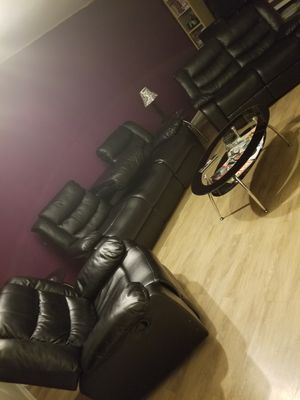 6 Piece Leather Living Room Set w/end tables & coffee table for Sale in Olney, MD