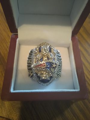 New England Patriots Championship Ring with Display Case for Sale in BRECKNRDG HLS, MO