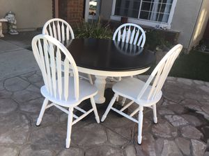 Round farmhouse table for Sale in Livermore, CA