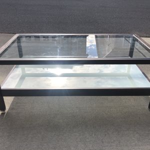 Modern Coffee Table - Great Condition for Sale in Holly Springs, NC