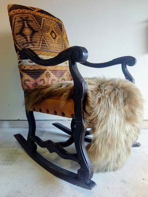Wheat Sheepskin Throw Brand New for Sale in Las Vegas, NV