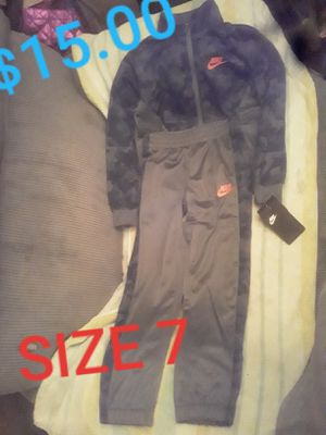 Boy's Nike Outfit Size 7 for Sale in Belleview, MO