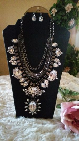 Beautiful necklace set firm price for Sale in Fresno, CA
