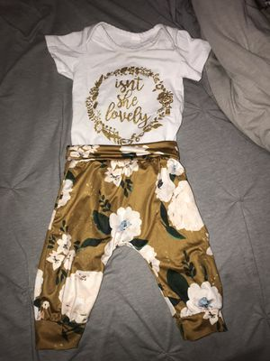 Baby girl clothes 0-3 months for Sale in Denver, CO
