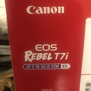 Canon Rebel T7i for Sale in Floral Park, NY