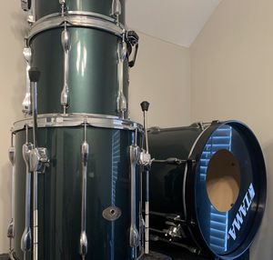 Tama drum set lots of cymbals double bass peddle for Sale in Nashville, TN