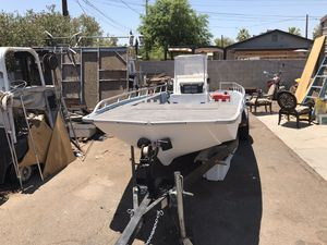 1984 center console fishing boat runs Great. Lake ready for Sale in Phoenix, AZ