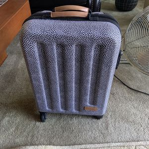 Easkpak Tranzshell S Carryon luggage for Sale in Chicago, IL