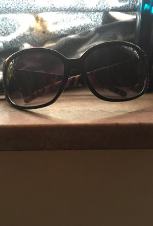 Sunglasses with little diamonds on both sides for Sale in Eastpointe, MI