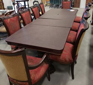 PRISTINE & ELEGANT 11 PC DINING TABLE! $2850!! 10 Chairs w/ Dining Table, 2 Leafs & Full Length Velvet Table Cover! for Sale for sale  Lawrenceville, GA