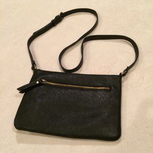 Black cross-body bag for Sale in Crofton, MD
