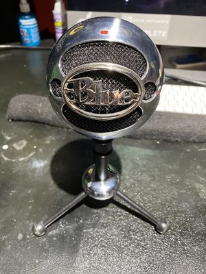 Blue - Snowball USB Microphone - Excellent Quality for Sale in Bentonville, VA