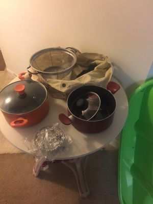 Household items Random household kitchen items SEE ALL PICS! shower liner pots and pans vegetable steamer thermos Chromecast stud for Sale in Boynton Beach, FL