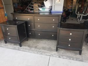 Dresser 6 drawer 2 night stand 260 obo for Sale in Temple City, CA