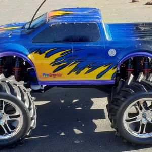 Traxxas Emaxx Rtr for Sale in Gresham, OR