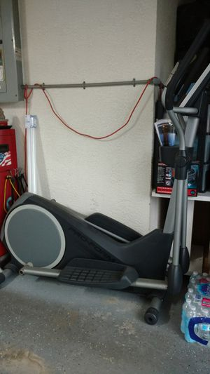 Pro F orm Elliptical exercise machine for Sale in Spring Hill, FL