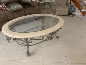 Matching end table and coffee table for Sale in Boynton Beach, FL