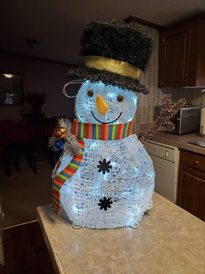 26in Lighted Christmas Snowman for Sale in Pickens, SC