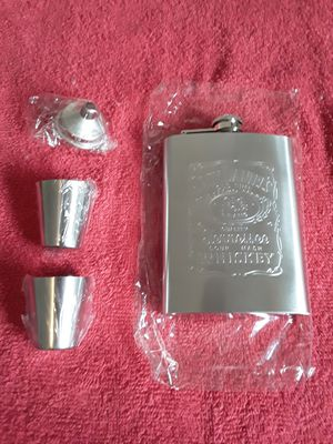 Jack Daniels Tennessee Whiskey..Flask Set.. for Sale in Largo, FL