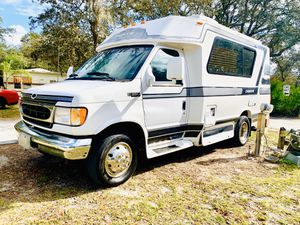 2002 chinook class B camper 21 Ft ready to go camping for Sale in Davenport, FL
