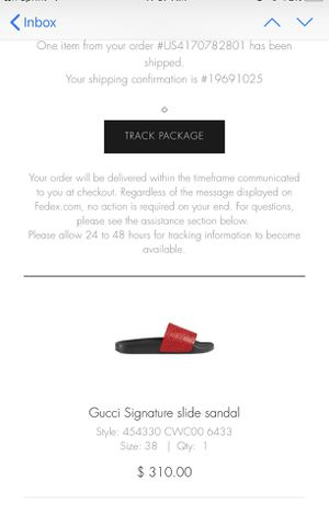 WOMAN RED GUCCI SLIDES 100% authentic SIZE 8 for Sale in Alexandria, VA