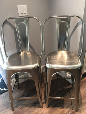 Set of American Signature bar stools, metal. Barely used $125 for both for Sale in Tampa, FL