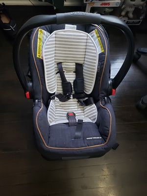 Infant graco car seat for Sale in Cicero, IL