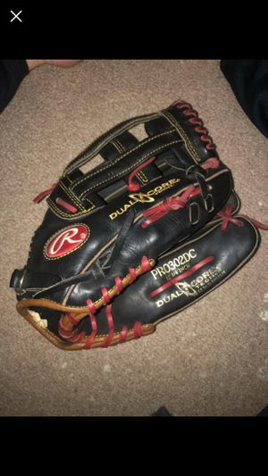 "Rawlings Heart of the Hide 12.75"" right handed baseball glove for Sale in Gerrardstown, WV"