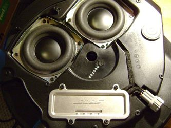 Bose Over Spare Tire Sub And Amp for Sale in Houston,  TX