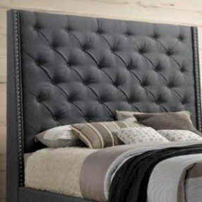 🌺Chantilly Gray Upholstered Queen Bed for Sale in Silver Spring, MD