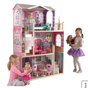 """18"""" Doll House Without Furniture for Sale in Chicago, IL"""