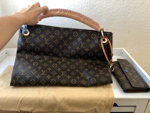 Set of large size tote (bag and wallet) for Sale in San Jose, CA