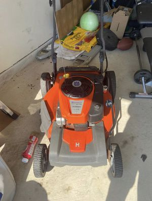 Husqvarna 775ex series lawn mower 175cc for Sale in Cypress, TX